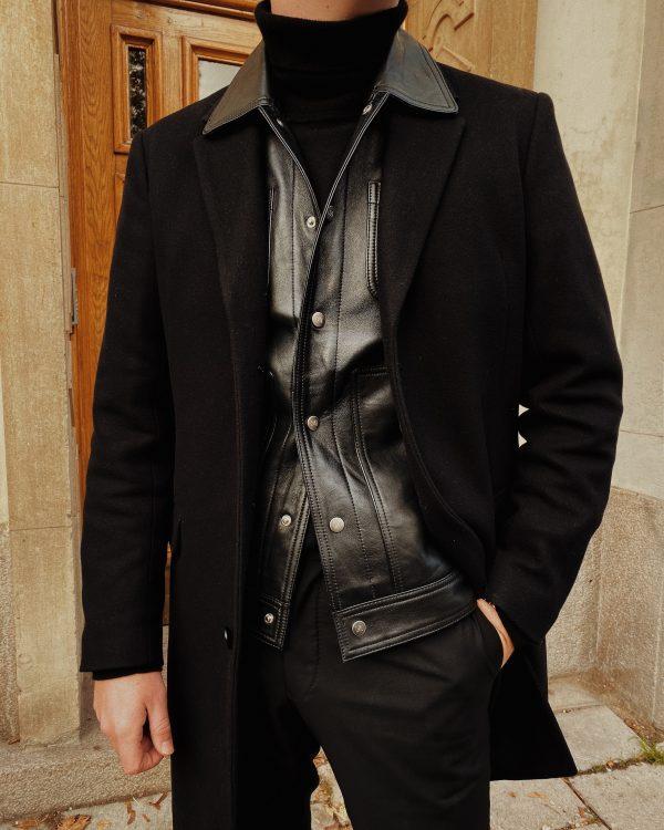 Så bär du den svarta skinnskjortan snyggast i vinter – 3 favoriter i butik