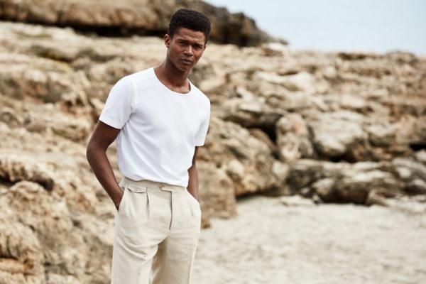 Efter 90 år i skjortbranschen lanserar nu Eton sin första t-shirt
