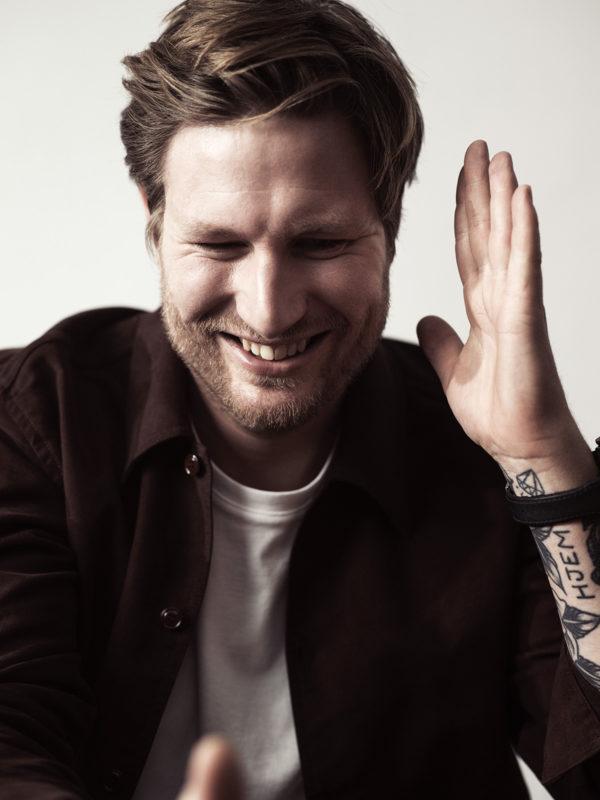 Esben Holmboe Bang nyöppnar Michelinkrogen Maaemo i Oslo – samarbetar med IWC